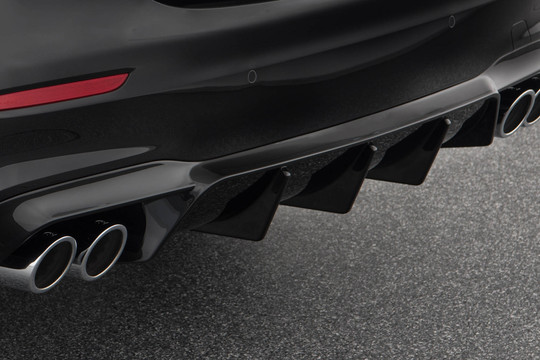 Sport exhaust system with actively controlled flaps - AMG E43