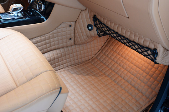 Leather vehicle flooring quilted