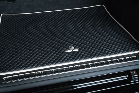 Leather trunk mat quilted
